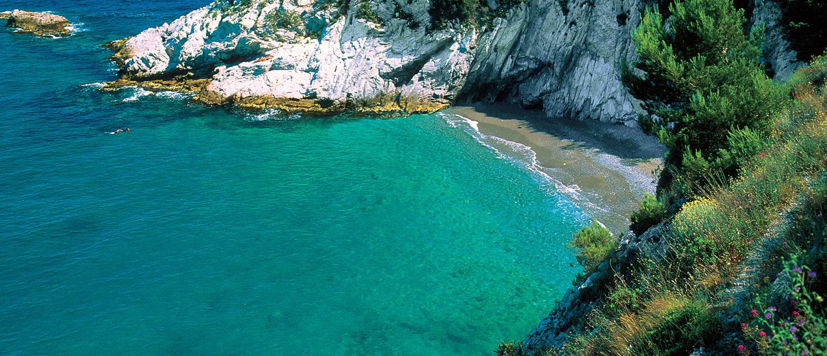 Relaxing at the seaside in Noli, Bergeggi, Finale Ligure, Spotorno